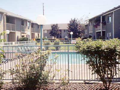Innovative housing inc housing ihi 39 s portland properties for Mt hood community college pool open swim